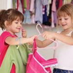 Как убирать дома с ребенком: 5 хитростей ленивой мамы