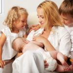 Роды в Америке, обряд крещения младенца